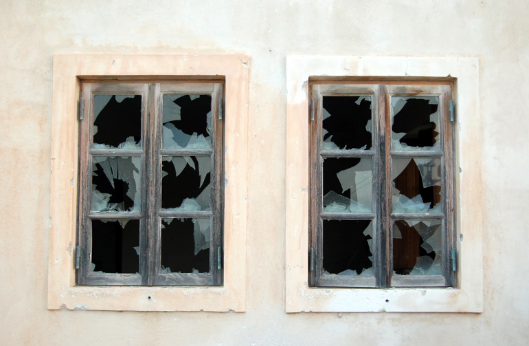 broken web links are like broken windows and do nothing for your business reputation
